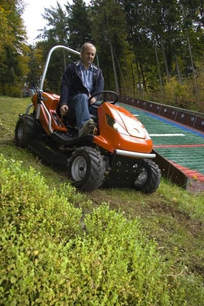 供应HONEST电动草坪车、手推式电动割草机、
