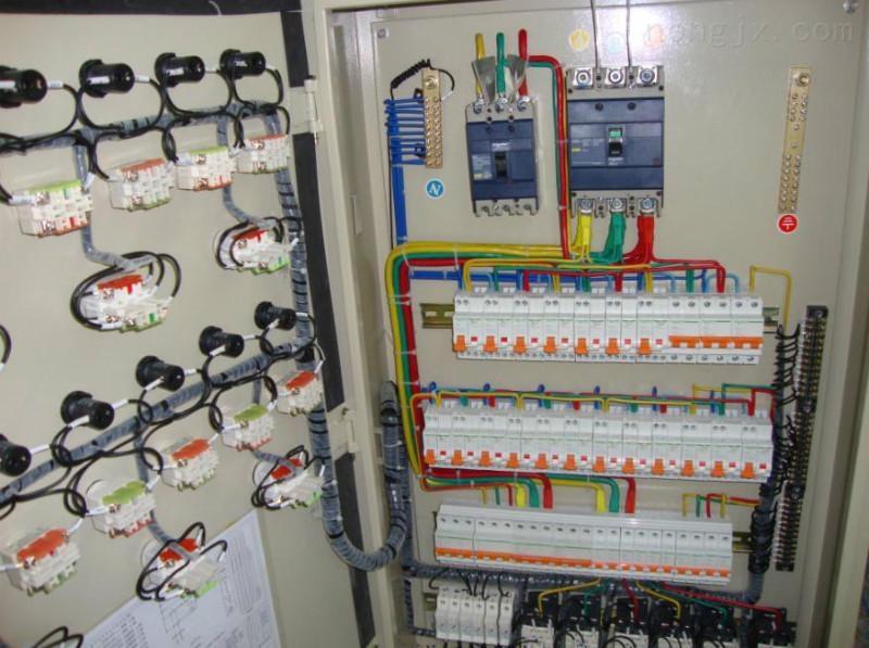BSG防爆配电柜(IIB,IIC)-防爆配电箱