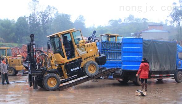 供应海格力斯3T供应3T履带式柴油锤打桩机