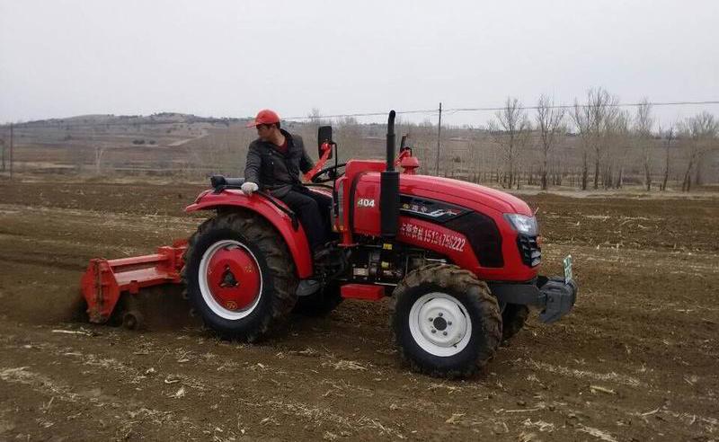进一步加速了全区农机装备结构的升级换代